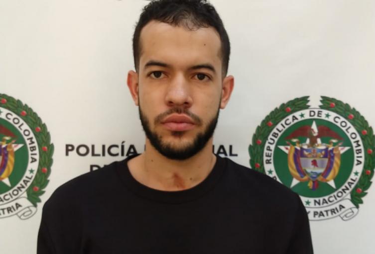 """Se metieron al rancho de alias """"Piñita"""" por el homicidio de un joven en Medellín"""