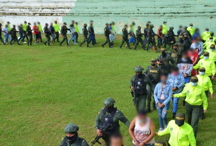 """Estas personas harían parte de """"Los Guayacanes"""", quienes obtenían hasta 850 millones de pesos mensuales por estas rentas ilegales."""