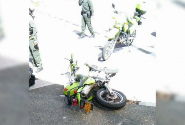 Los uniformados sufrieron varias lesiones y se encuentran fuera de peligro.