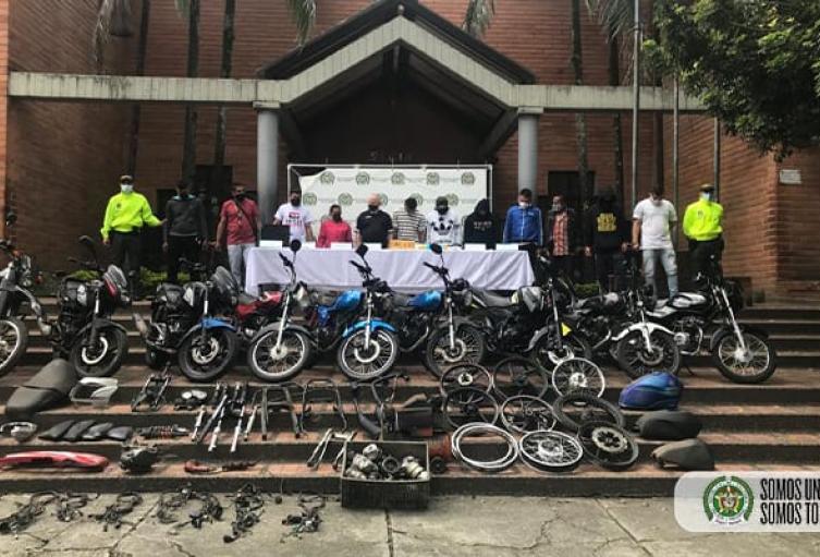 En el operativo fueron recuperadas 9 motocicletas y 50 partes de automotores.