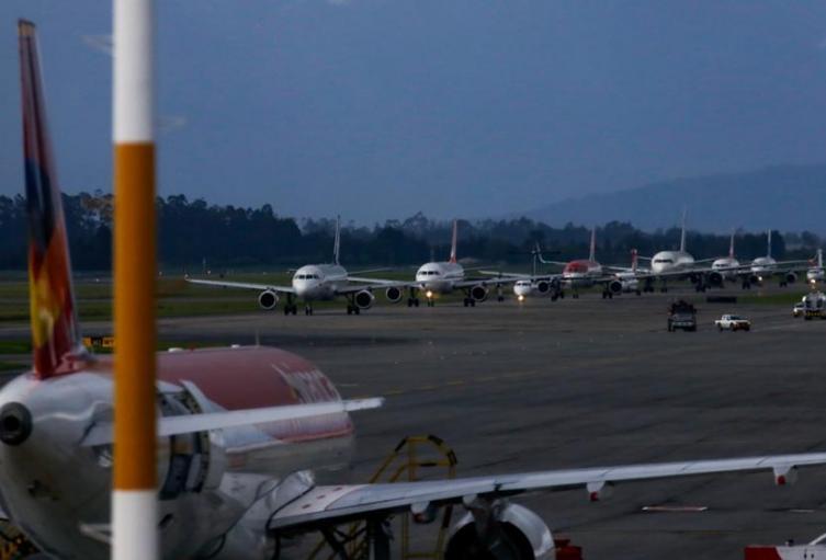 Gobierno autoriza los vuelos internacionales en Colombia
