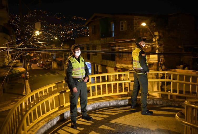 674 Personas Violaron Los Dos Dias De Toque De Queda En Medellin Alerta Paisa