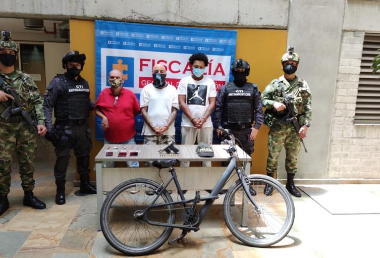 Sacaron de sus casas a tres presuntos delincuentes de la banda la 24 en Medellín