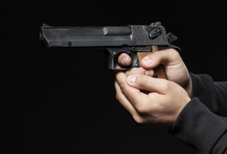 Al parecer los cuerpos presentan heridas pro arma de fuego.