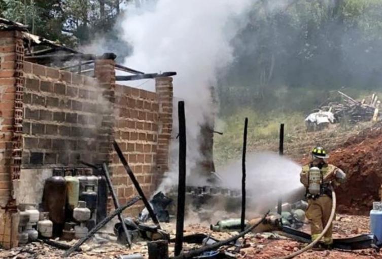 La conflagración no dejó personas lesionadas, reportaron las autoridades.