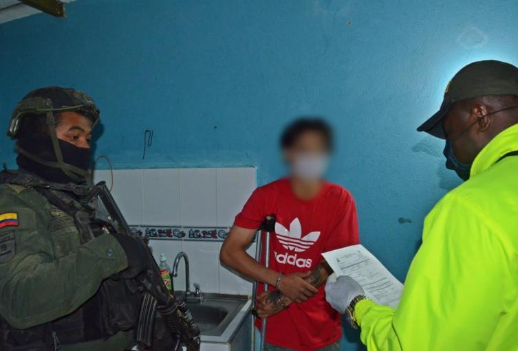 """Capturan a 15 presuntos delincuentes del combo """"Los del 20"""" en el Suroeste de Antioquia"""