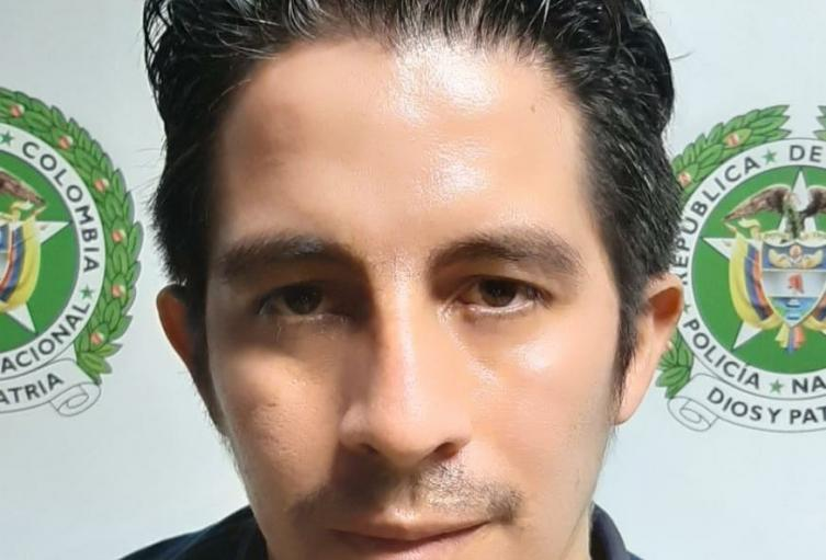 """""""El diablillo"""" no pudo escapar de la red de la policía en Medellín, el detenido pertenecía al combo """"los Pájaros"""""""