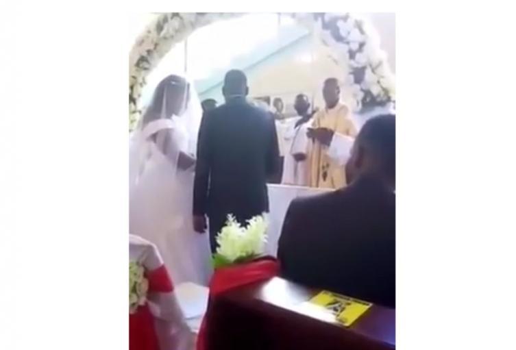 Mujer irrumpió en en boda
