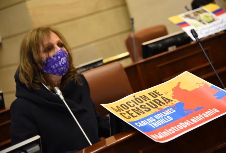 Ángela María Robledo en debate de moción de censura contra el Ministro de Defensa en réplica.