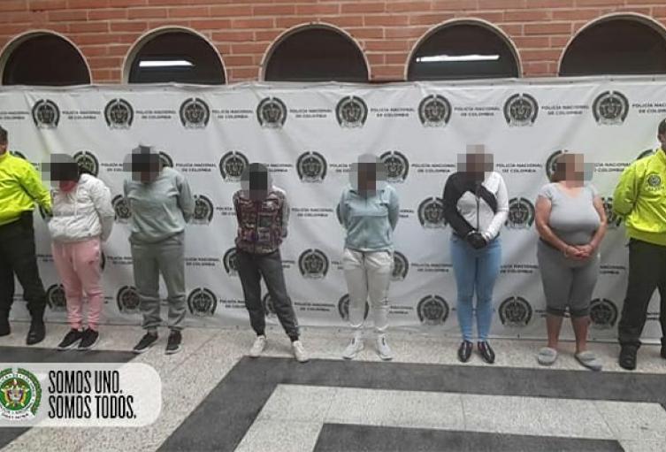 """Cayeron seis presuntas integrantes del grupo """"Terreanova"""" en Medellín, señaladas de hurto a almacenes de cadena"""