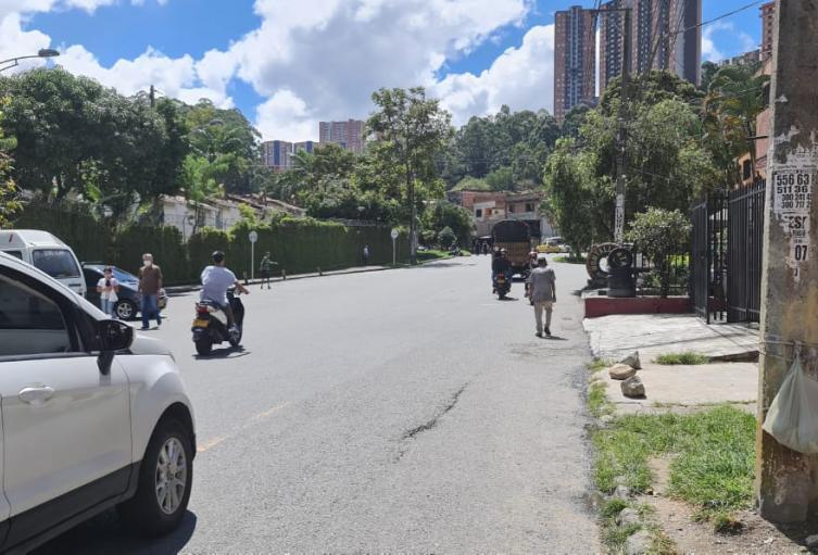 Un adolescente de 16 años murió luego de chocar su moto contra un camión en Belén Rincón