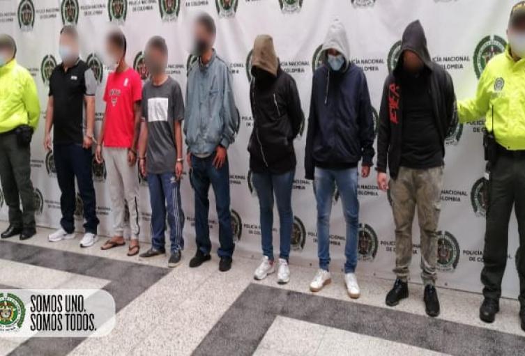 Capturan a presuntos sicarios que llevaban en sus espaldas 14 homicidios en Medellín, Bello y Barbosa