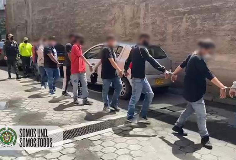 """Grabaron operativo contra 17 del combo de los """"Los conejos"""" de Medellín"""