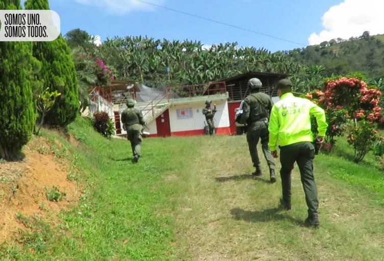 """Comandos """"jungla"""" de la policía se tomaron fincas cafeteras del Suroeste de Antioquia"""