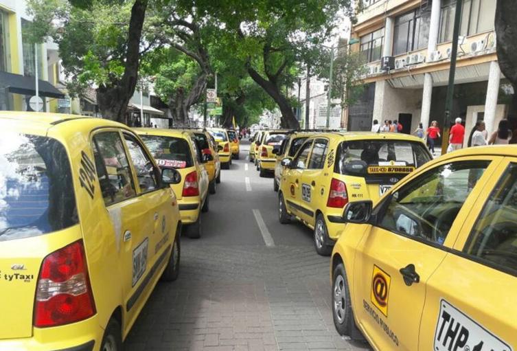 No se implementará el pico y placa para particulares este año, como lo pedían los conductores.