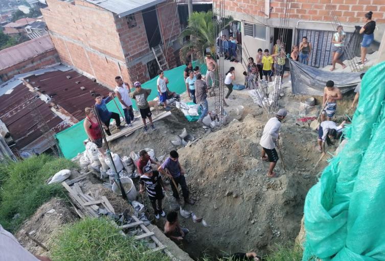 El hecho se presentó cuando hacían labores de limpieza, y recorte de un terreno en pendiente.