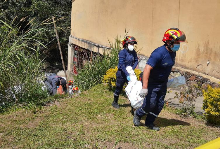 Hallan tres cadáveres en el río Medellín