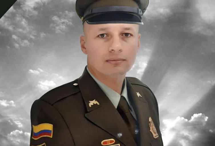 """""""Se ha movido de casa en casa"""" el homicida que mató al policía en el barrio Guayabal de Medellín"""