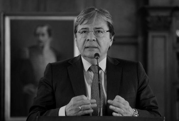 Murió por coronavirus el ministro Carlos Holmes Trujillo