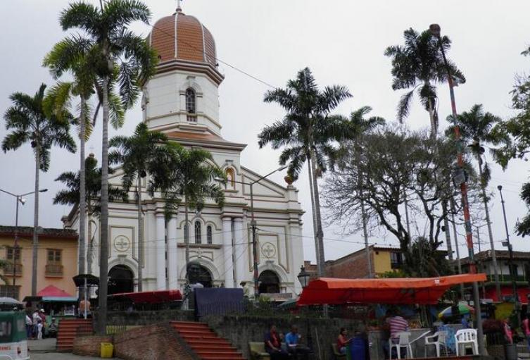 Ituango, Norte de Antioquia-(Parque principal).