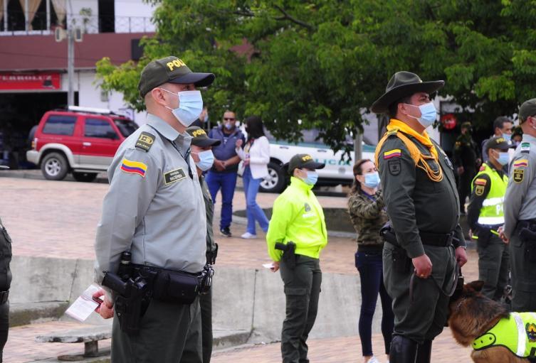 Estos uniformados están capacitados en diferentes unidades y especialidades para combatir varios delitos.