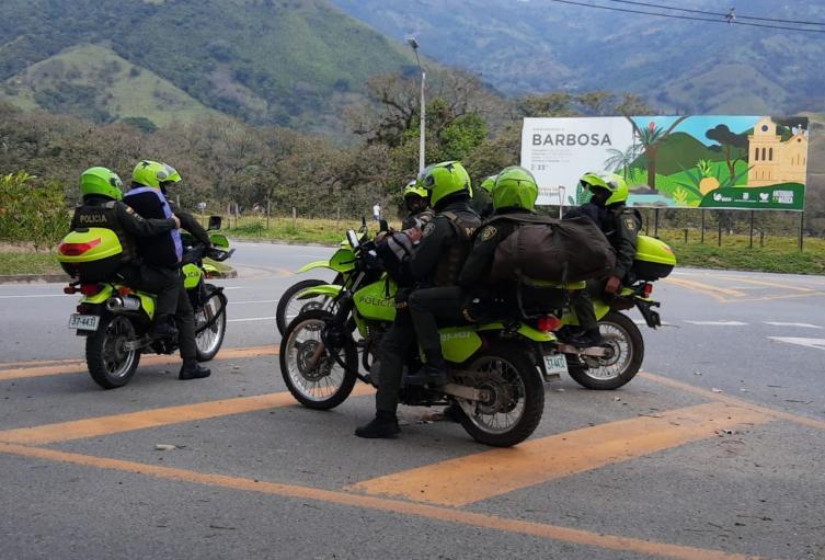 Operativo de captura de diez policías en Barbosa, Antioquia