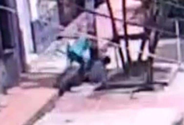 [Video] Imágenes del ciclista que asesinó a un hombre en el barrio Antioquia de Medellín