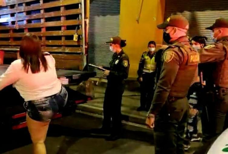 En tres días la policía ha impuesto mil 131 comparendos en Medellín
