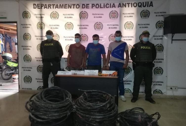 Por este hecho tres personas fueron enviadas a prisión, informó la Fiscalía.