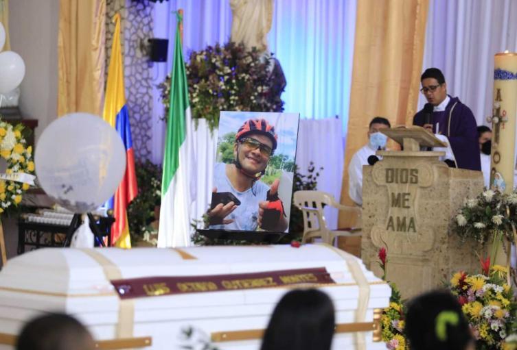 Referencia sepelio de Luis Octavio Gutiérrez, gerente del Hospital de Caucasia.