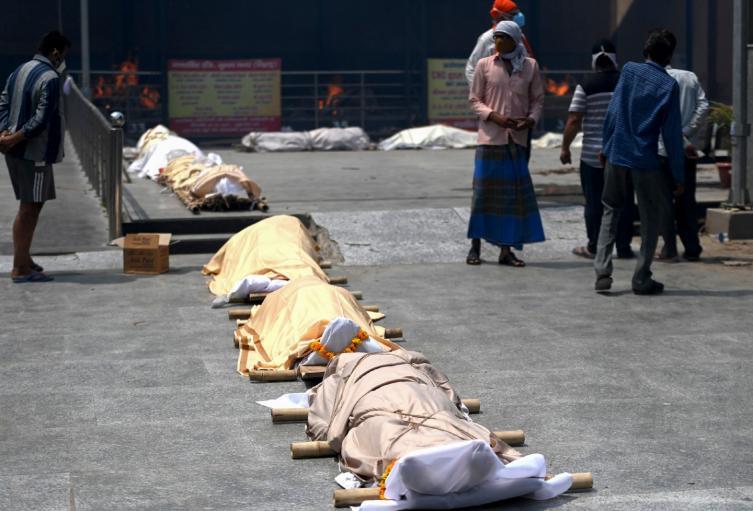 Muertos por coronavirus en India tras explosión de casos