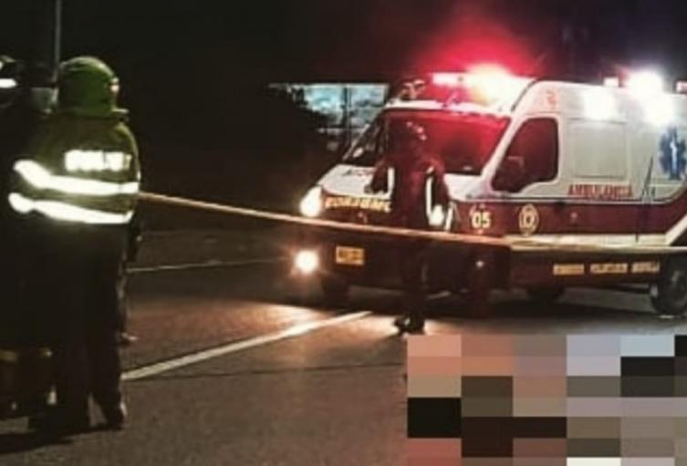 Una de las víctimas no portaba casco.