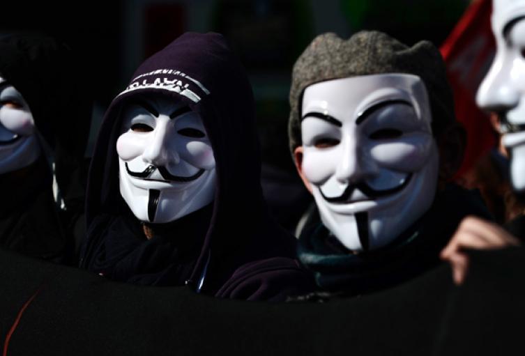 Anonymous reveló datos de integrantes del Centro Democrático