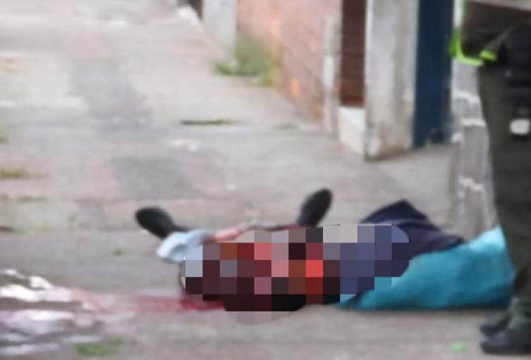 En un andén fue hallado cadáver de un hombre en el barrio Boston de Medellín
