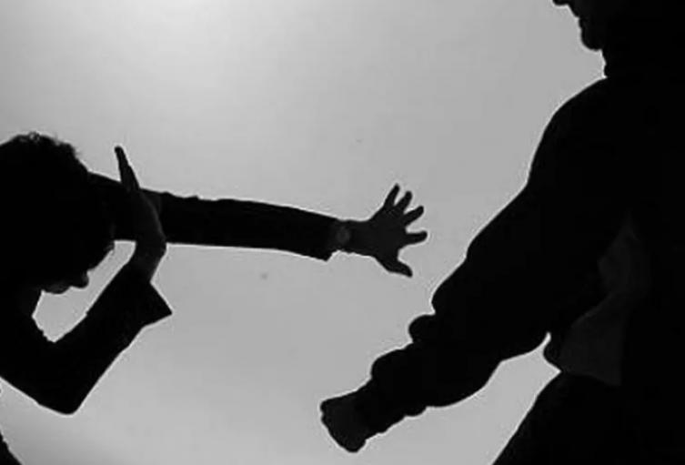 22 Feminicidios y 8 mil casos de violencia intrafamiliar se presentaron en Medellín en el 2020