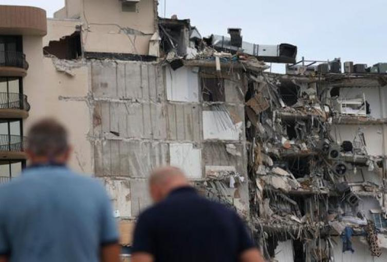Familia que viajó desde Medellín para vacunarse en Estados Unidos, desapareció tras derrumbe de edificio en Miami