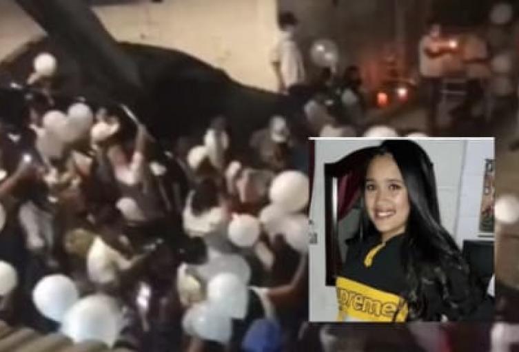 Con globos blancos comunidad del barrio París de Bello rindió homenaje a Ana María
