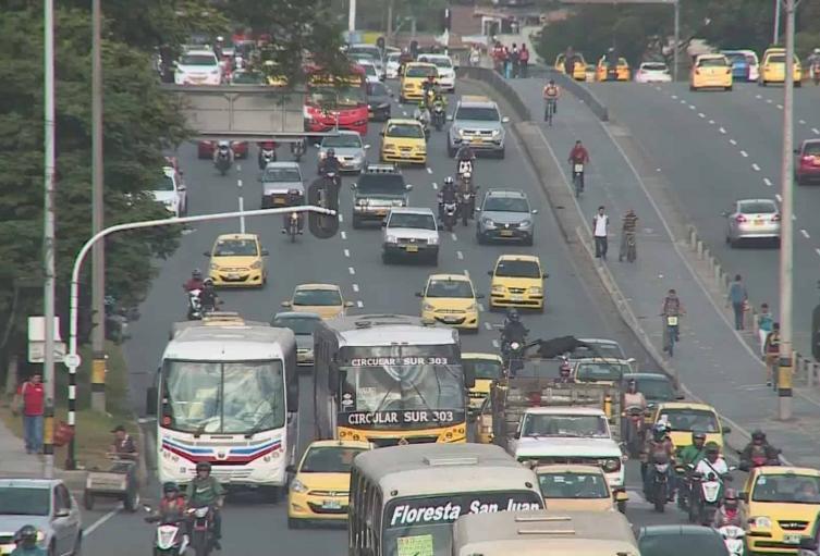 Vuelve el pico y placa para vehículos particulares a Medellín