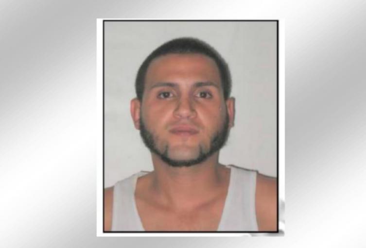 La víctima era extranjera y presentaba lesiones con arma blanca, informaron las autoridades.