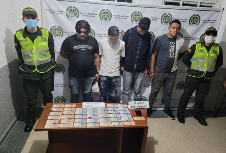 Los señalados ladrones fueron reconocidos por una de las víctimas.