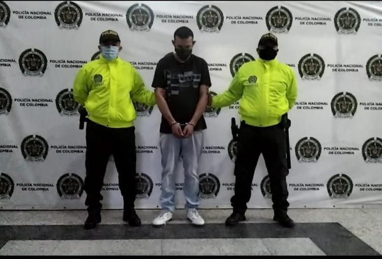 """Capturan a """"Camilo"""" por crimen de joven venezolano en Medellín"""