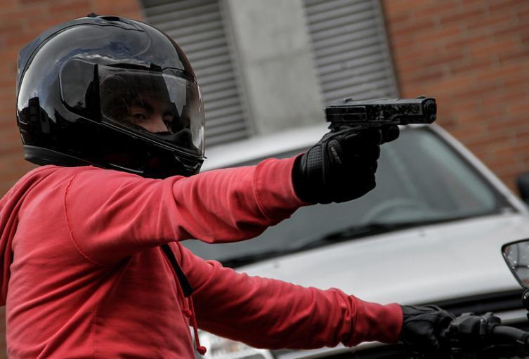Los sicarios llegaron al lugar y le dispararon a la víctima sin mediar palabra.