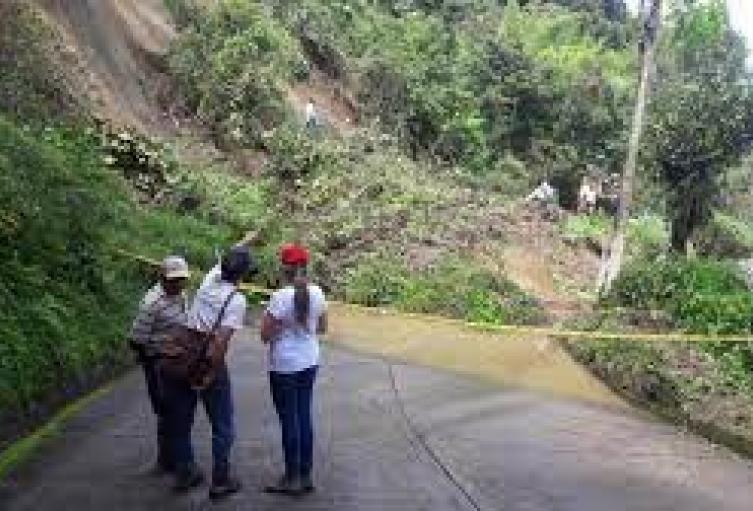 Hay riesgo de deslizamientos e inundaciones en 72 municipios.