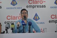 Asobancaria respalda propuesta de gravar todos los productos de la canasta familiar