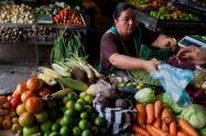 Mercado en Colombia y el IVA en la canasta familiar