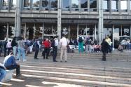 Los protestantes bloquearon el ingreso al Palacio de Justicia de Medellín.