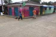 Calles vacías y comercios cerrados en Cáceres (Antioquia)
