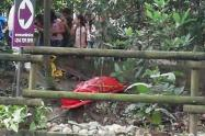 """Encuentra otro """"embolsado"""" en una quebrada en Itagüí"""