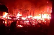Según versiones de la comunidad, las llamas se propagaron durante cuatro horas, aproximadamente