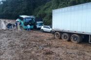Deslizamiento en la Troncal a la Costa en Antioquia.